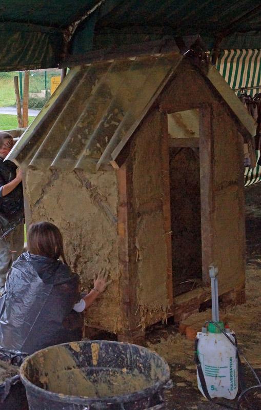 Cabane en Torchis - L'Enduit