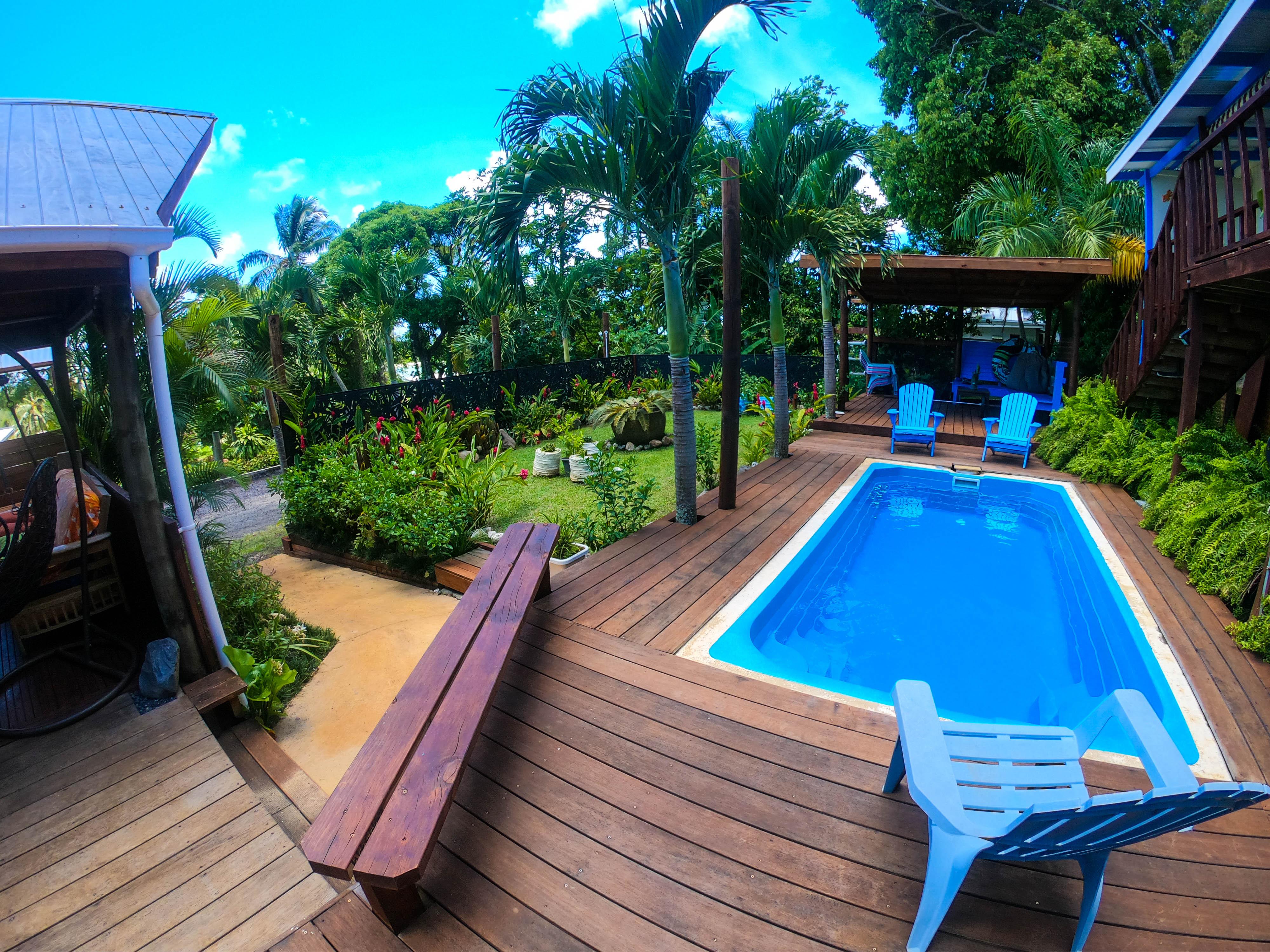 Plunge pool & pool hut, garden