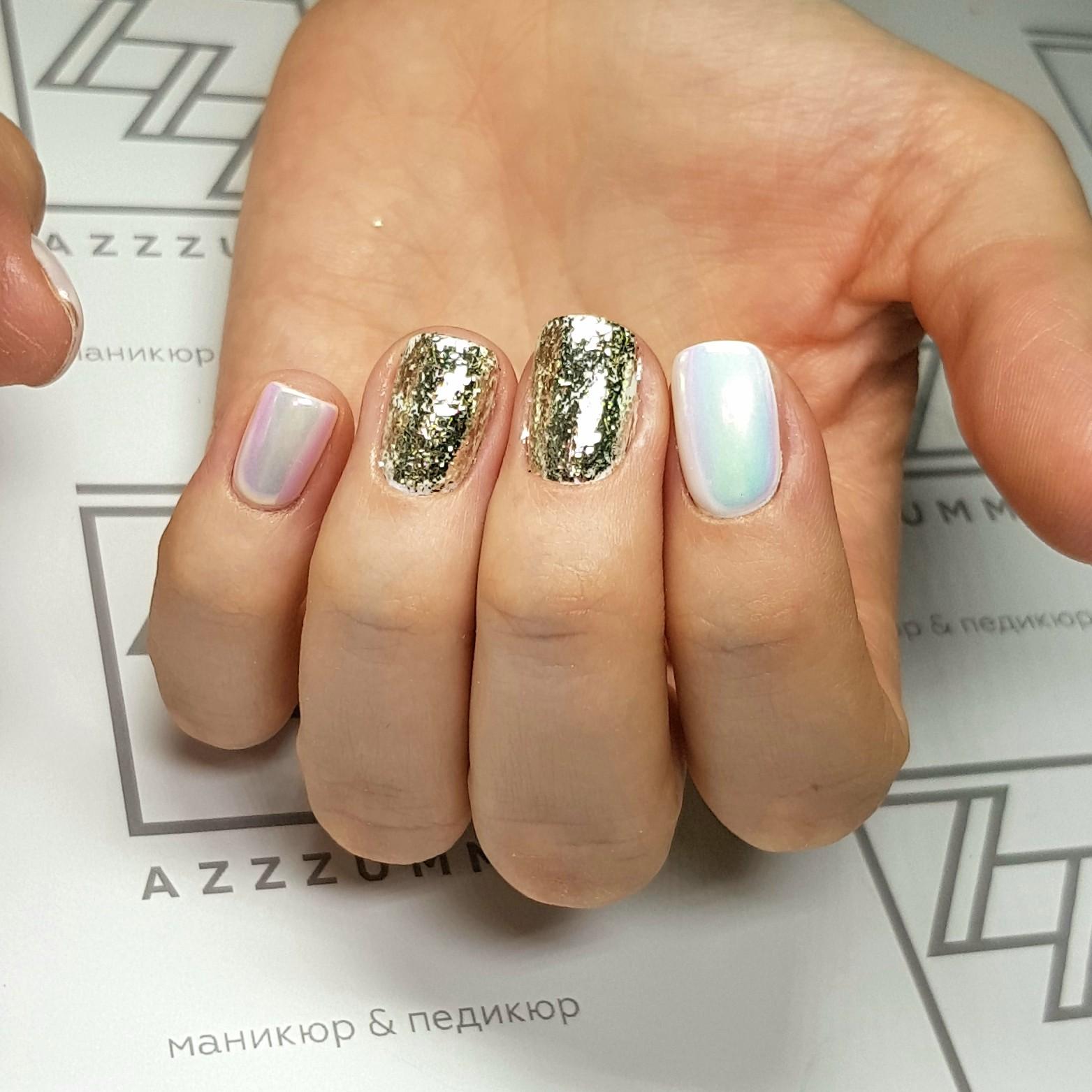 Azzzummi_nails_ 1905_золотыехлопья