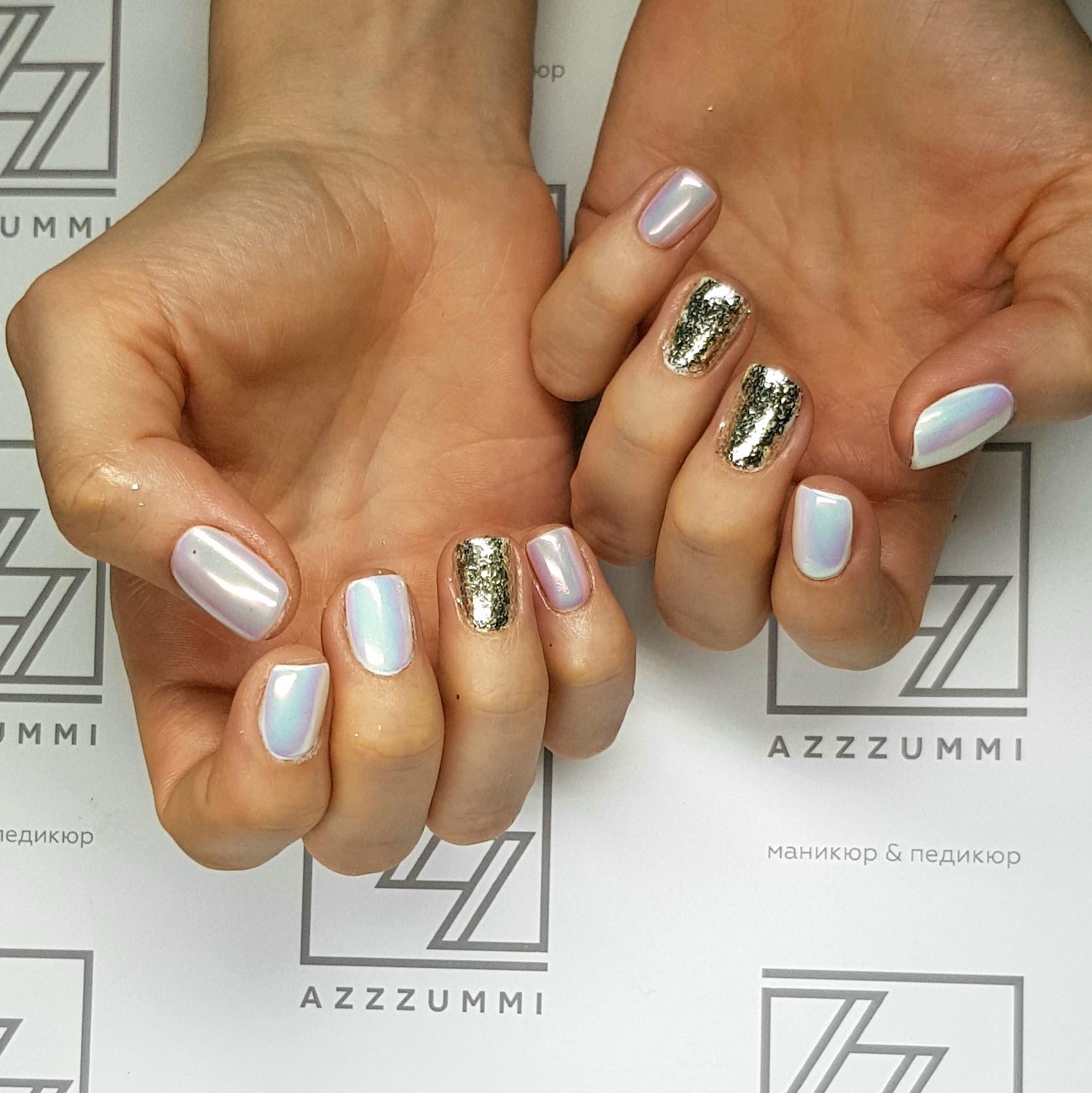 Azzzummi_nails_ 1905_золотыехлопья2