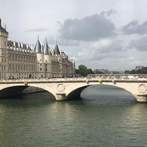 La.conciergerie.paris.jpg