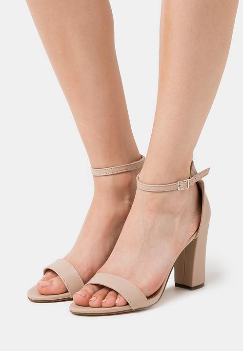 Sandalo con tacco beige