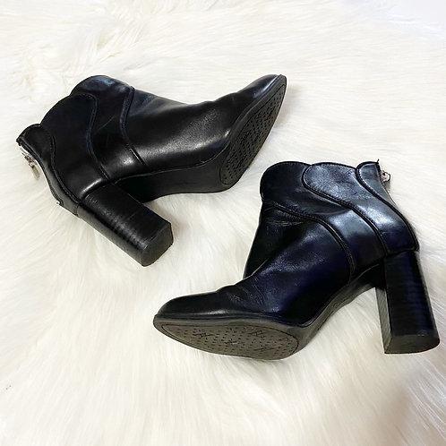 Adrienne Vittadini Tabby Black Bootie Block Heel