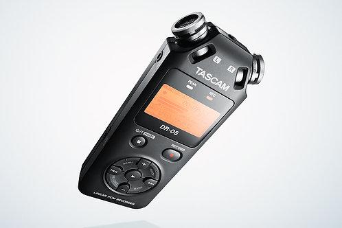 Grabadora de mano TASCAM DR-05X