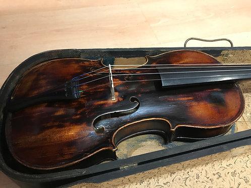 violin 1900`s stradivarius