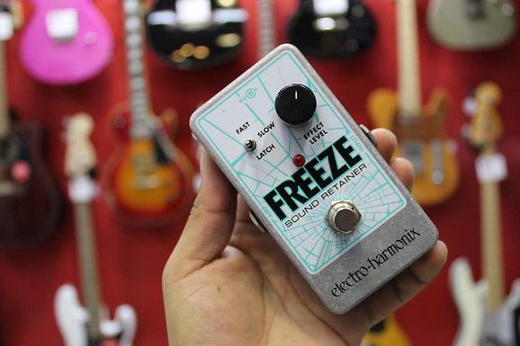 electro harmonix freeze pedal
