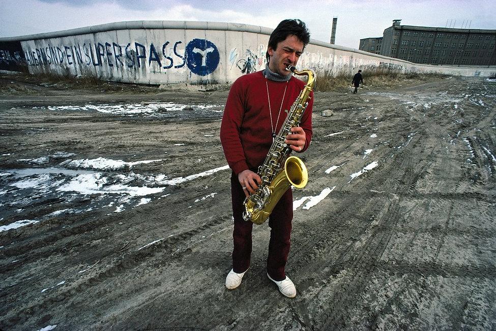 Saxophon Player, Berlin Wall, near Potsdamer Platz