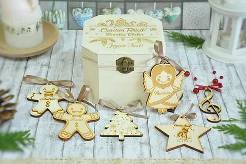 Set cadou - cutie din lemn si ornamente personalizate