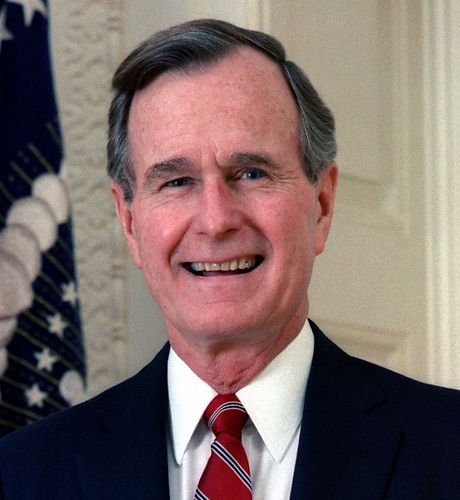 George_H._W._Bush,_President_of_the_United_States,_1989_official_portrait_cropped.jpg