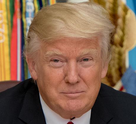 Donald_Trump_Pentagon_2017.jpg