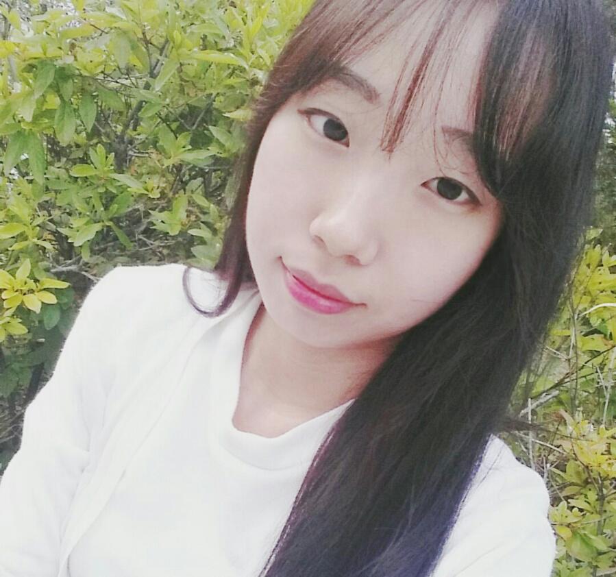 JUNG yeyeong