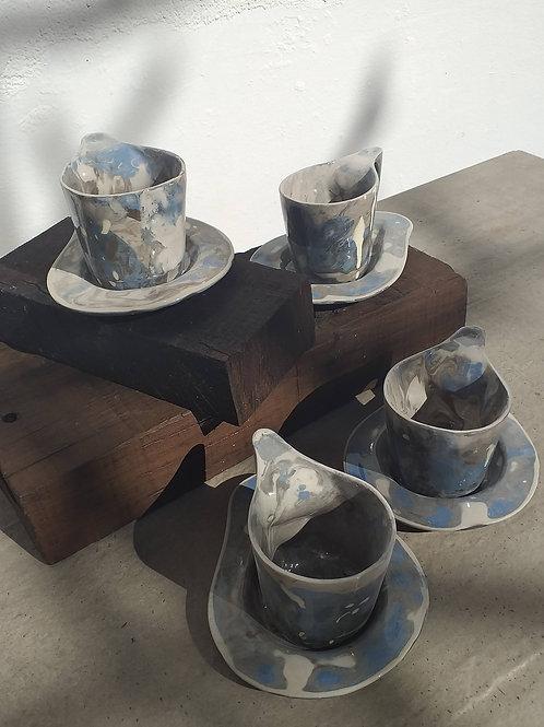Conjunto de xícaras únicas mescla azul