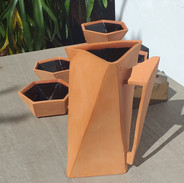 Jarra triangular