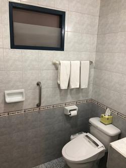 UP 2 U Bathroom