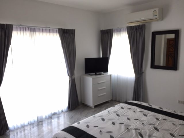 PT 705 master bedroom 2