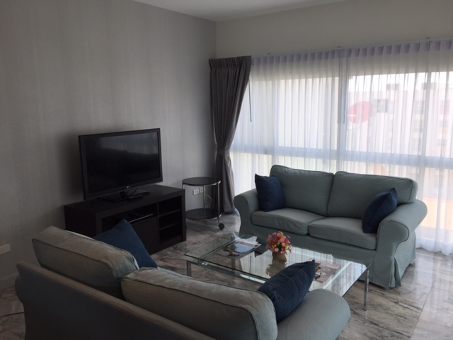PT 705 living room 1