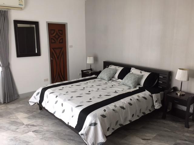 PT 705 master bedroom 4