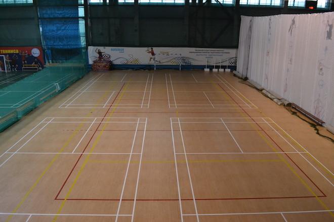 Универсальный спортивный зал NATEN. Желтая площадка.