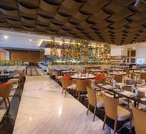 restaurant_tg-m-enjpg