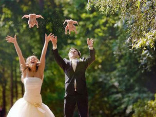 Things Wedding Vendors Want Guests To Know (but are too nice to say to your face)