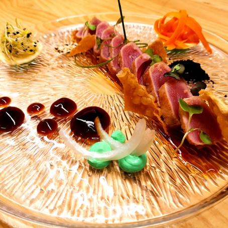 Tataki de tonyina vermella amb washabi, soja i verdures