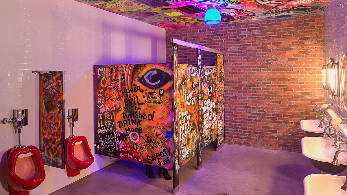 The Gig_Verona_Men's Room Mouth Urinals_Ramsgard