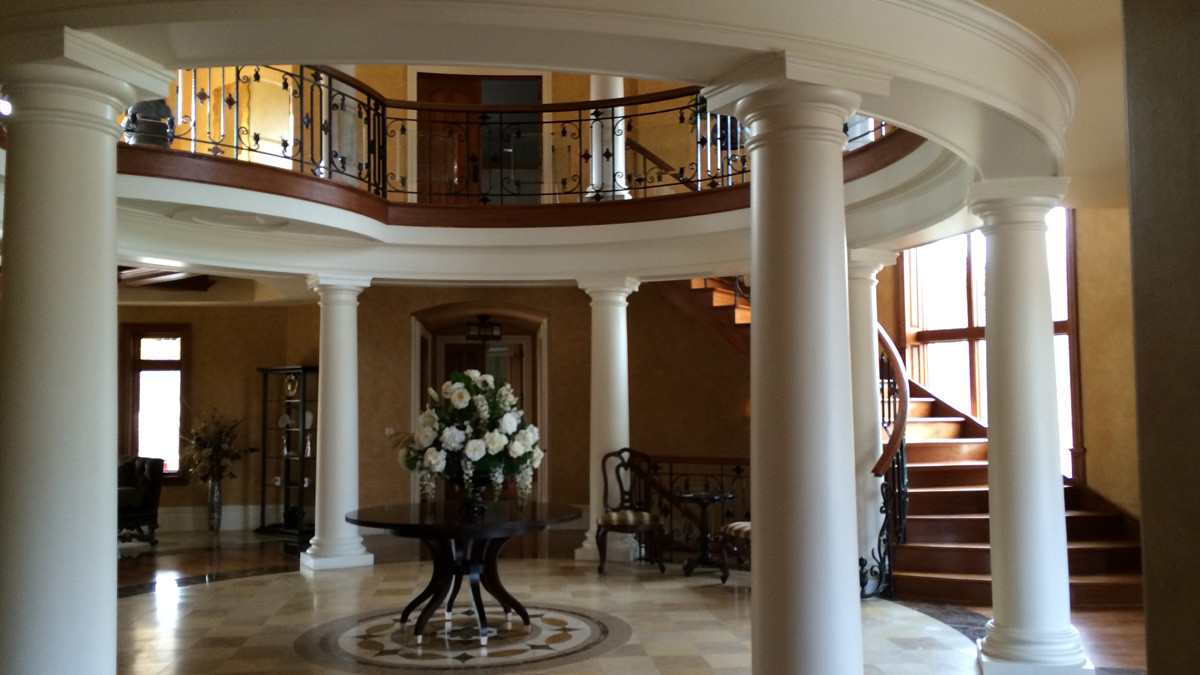 Pillars foyer grand estate skaneatles _Ramsgard
