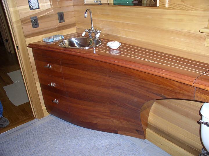 Yacht-like Sink_Ramsgard