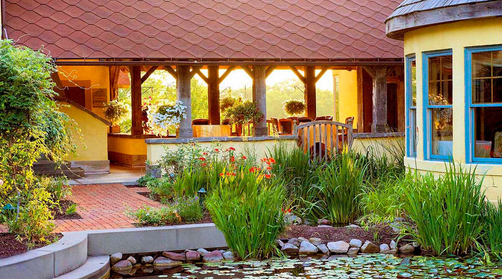 Exterior gardenMirbeau Inn & Spa _Ramsgard