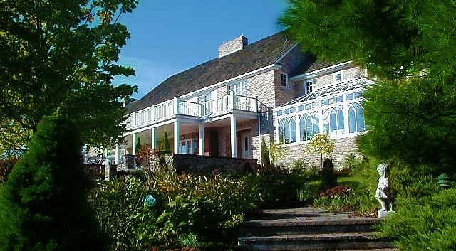 House Approach Greenhose_Ramsgard