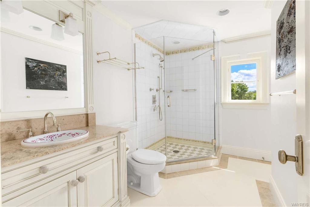 French Country_Bathroom_Ramsgard