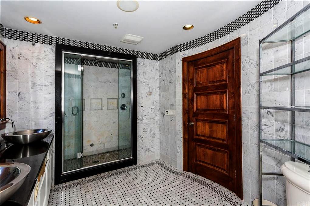 Bamerick Black & White Bathroom.jpg