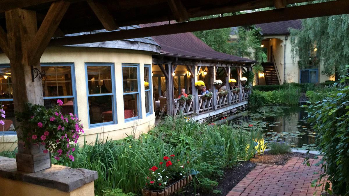 Dining deck Mirbeau Inn & Spa _Ramsgard