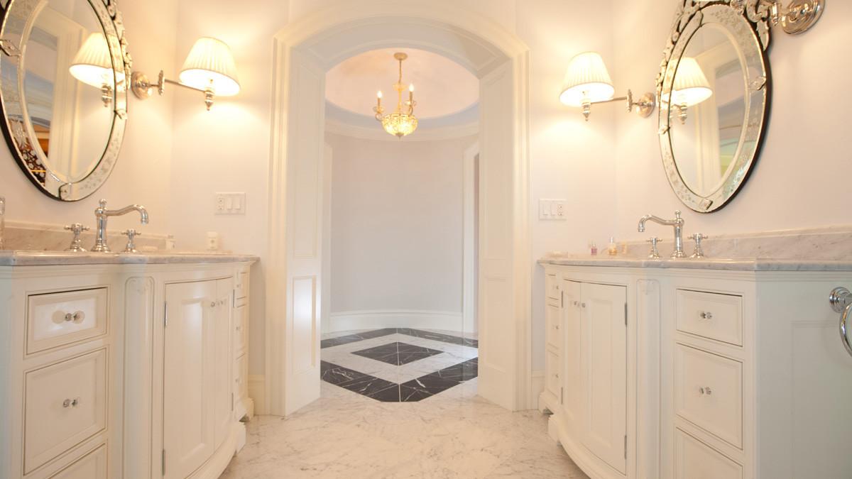 White elegant Bathroom_Ramsgard