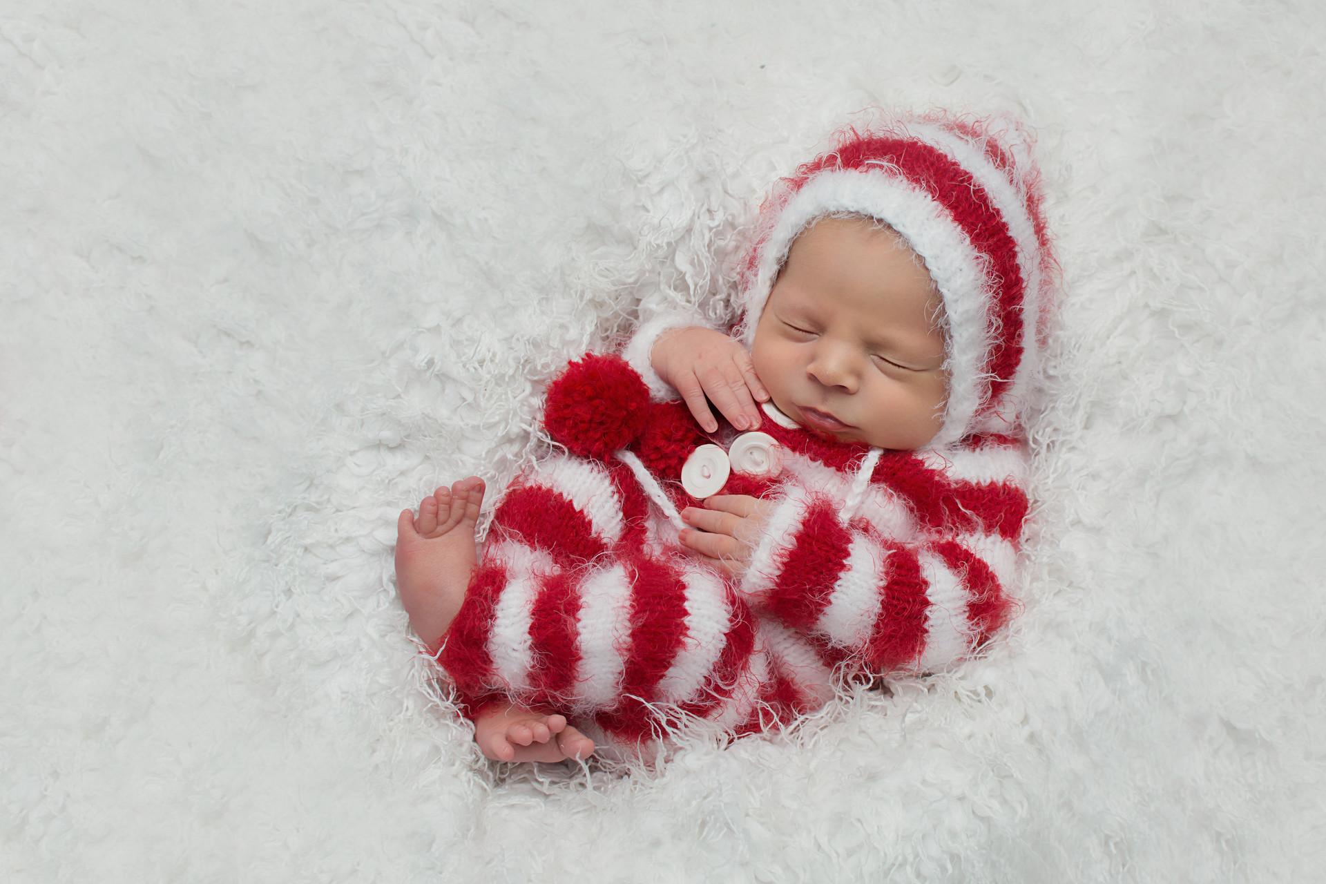 newborn photographer leyland.jpg