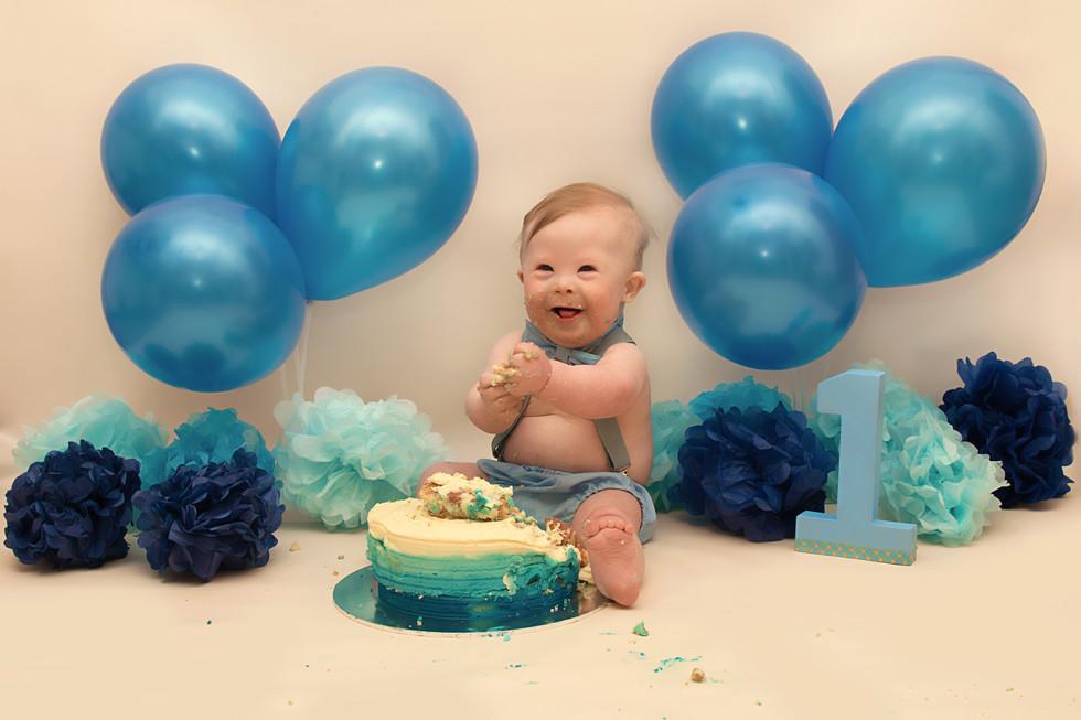 cake smash photoshoot.jpg