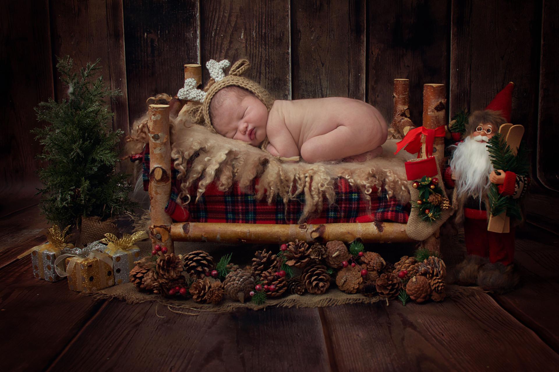 newborn Christmas photos chorley.jpg