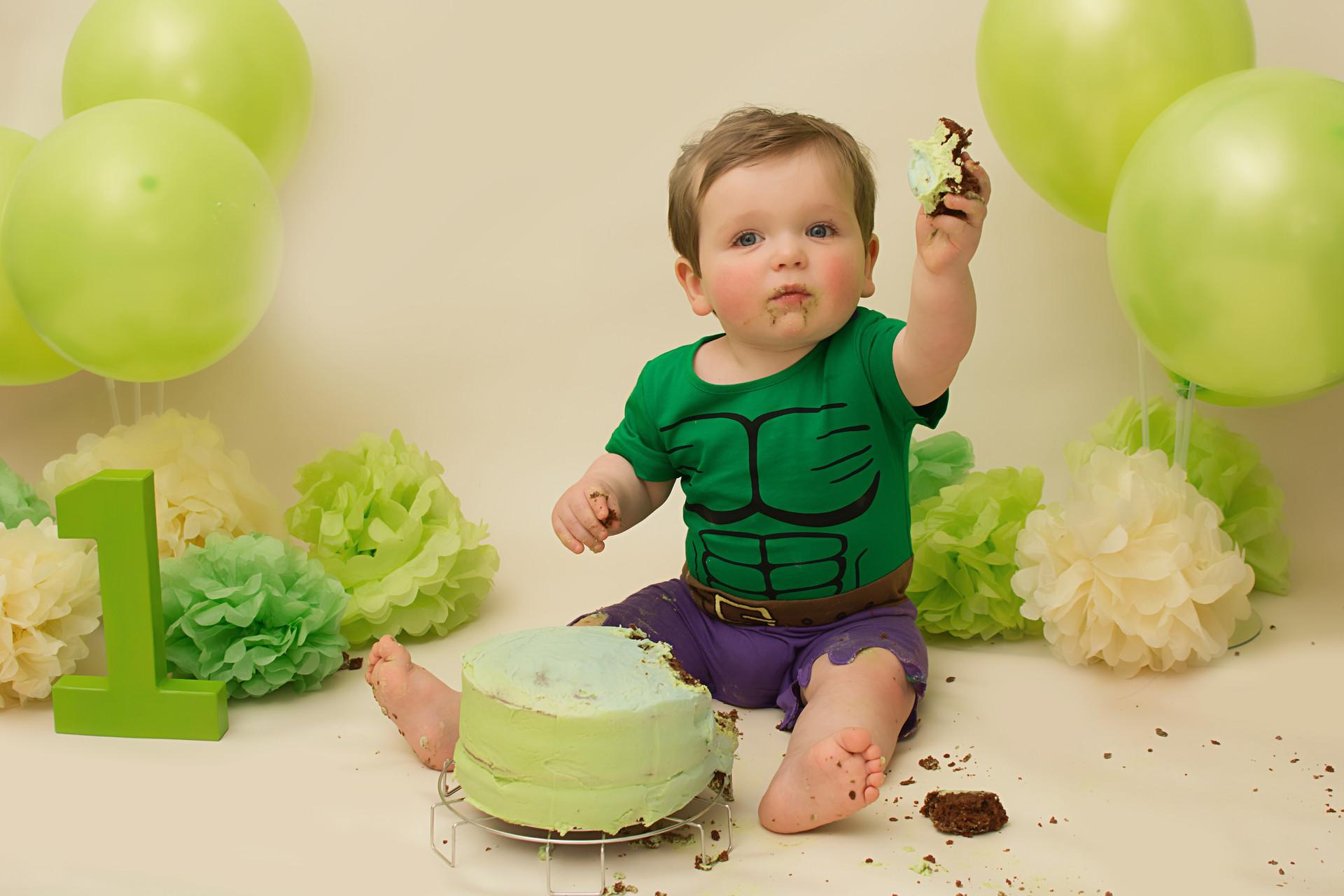 cake smash chorley.jpg
