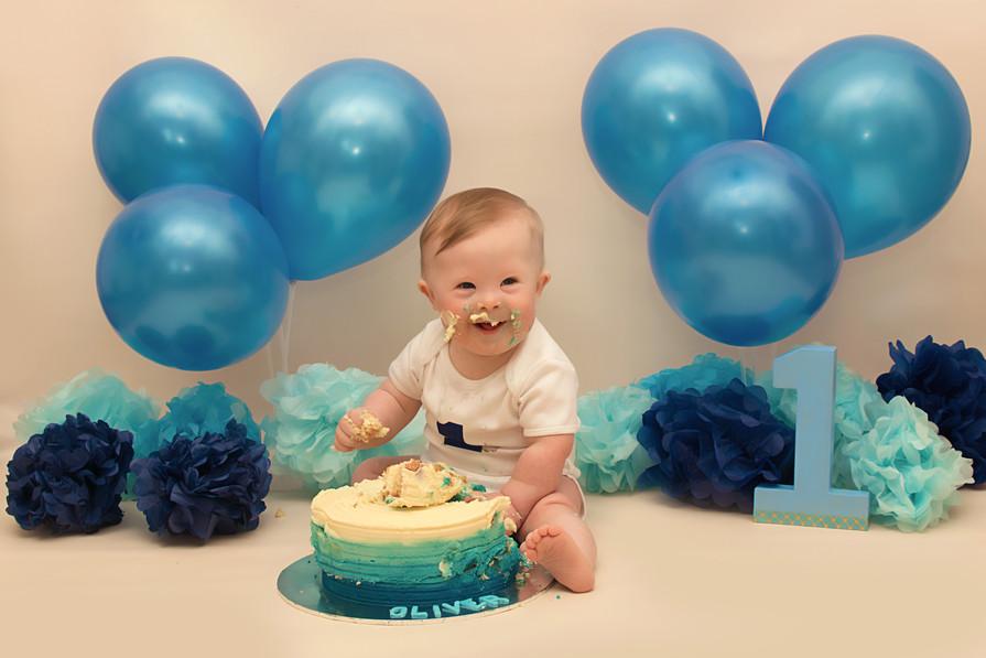 cake smash worsley.jpg