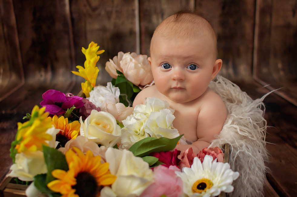 baby photographer preston.jpg