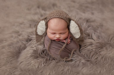 newborn photographer preston.jpg