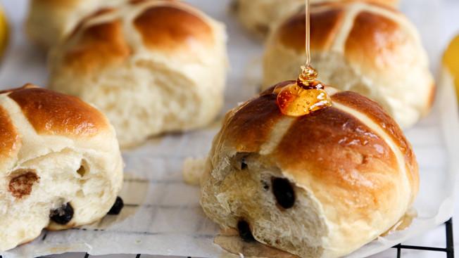 Honey & Buttermilk Hot Cross Buns