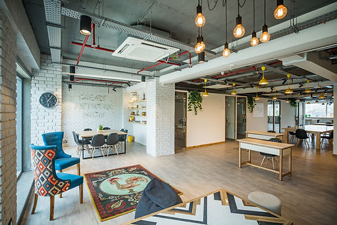 myhq-workspaces-VCoh27vHEh0-unsplash.jpg