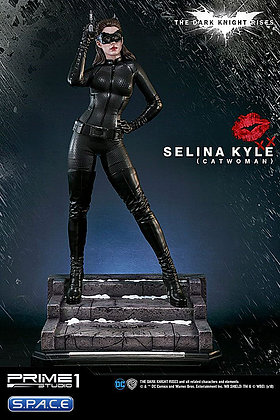 Selina Kyle / Catwoman Statue