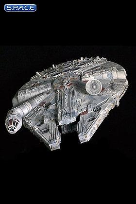 1/100 Scale Millennium Falcon Diecast Replica (Star Wars)