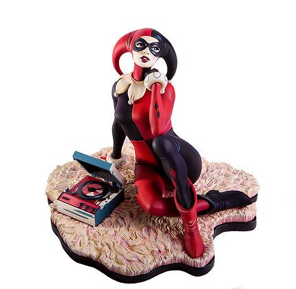 "Harley Quinn ""Waiting for my J Man"" Statue (DC Comics)"