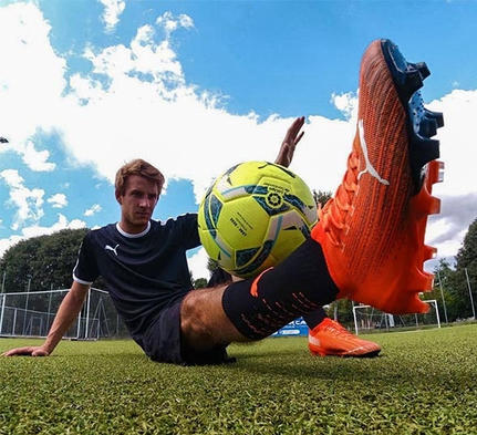hire a football freestyler Naples italy