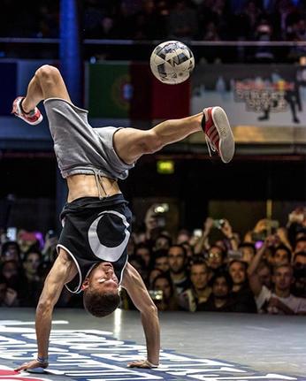 Buenos aries futbol freestyle juggler fo