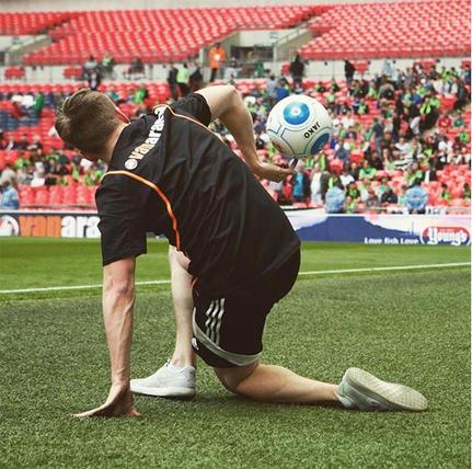 british football freestyler juggler manc