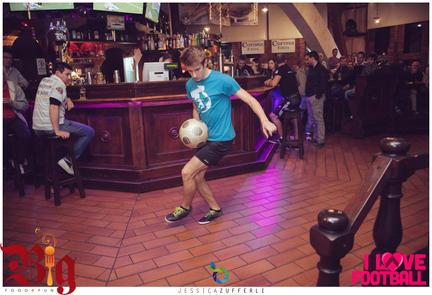freestyle footballer juggler show milano